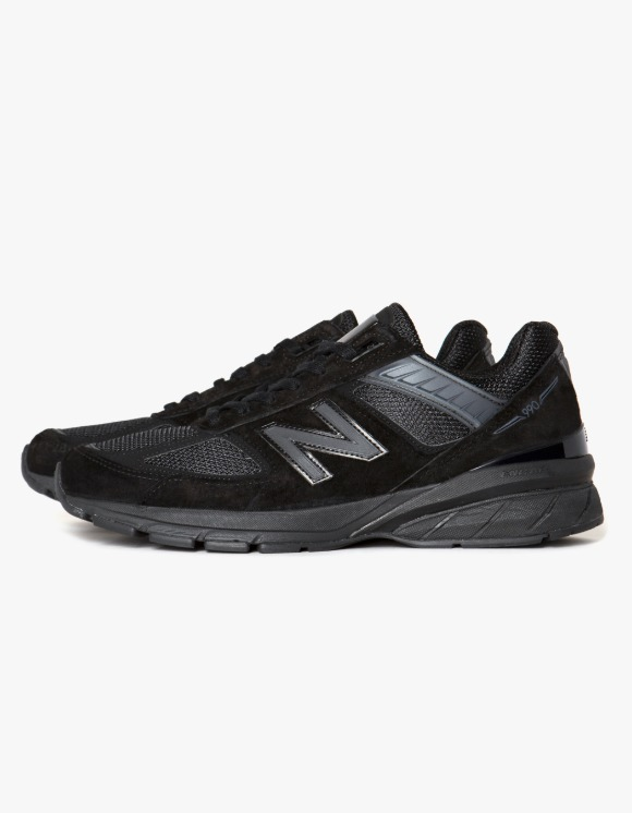 New Balance M990BB5 - Black | HEIGHTS. | 하이츠 온라인 스토어