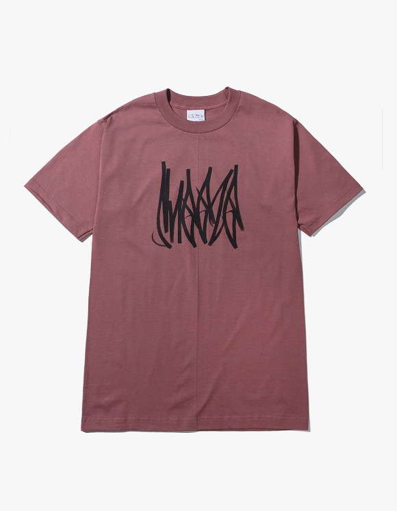 SNEEZE Magazine Sneeze Tag Tee - Dust Red | HEIGHTS. | 하이츠 온라인 스토어