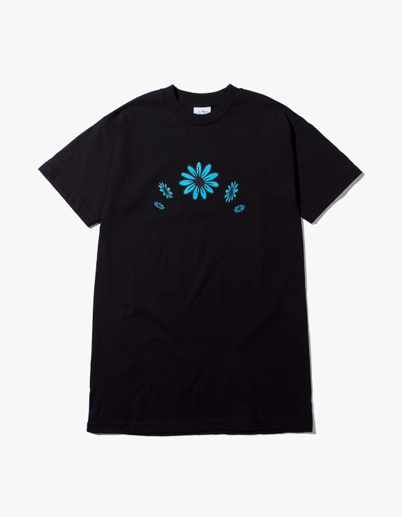 SNEEZE Magazine Blue Flowers Tee - Black | HEIGHTS. | 하이츠 온라인 스토어