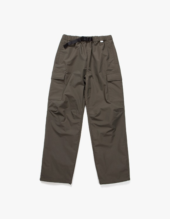 IZOLA NYC Belted Nylon Cargo Trouser - Olive | HEIGHTS. | 하이츠 온라인 스토어